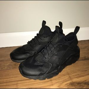 Nike Huaraches (Black)